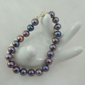 Purple Cultured Pearl Bracelet 8 mm